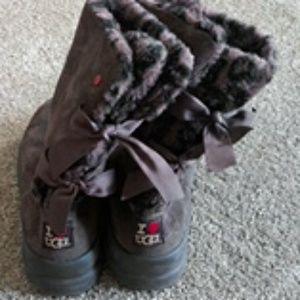 Ugg Brown I ❤UGG Bow Tie Back boots. Sz.7